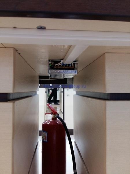 монтаж светодиодной подсветки ювелирных витрин