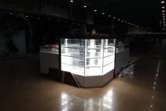 подсветка витрин в ювелирном магазине